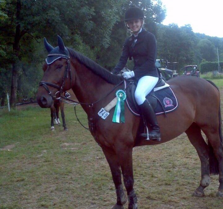 Katharina und Campino werden 7. beim Stilspringen E in Obernburg