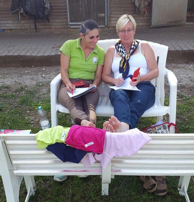 Unsere Schriftführerin mit Frau Sander bei der Arbeit